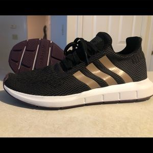 Adidas Women Swift Run